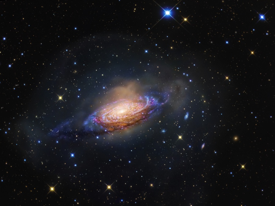 NGC 3521: Galaxie v Bublině