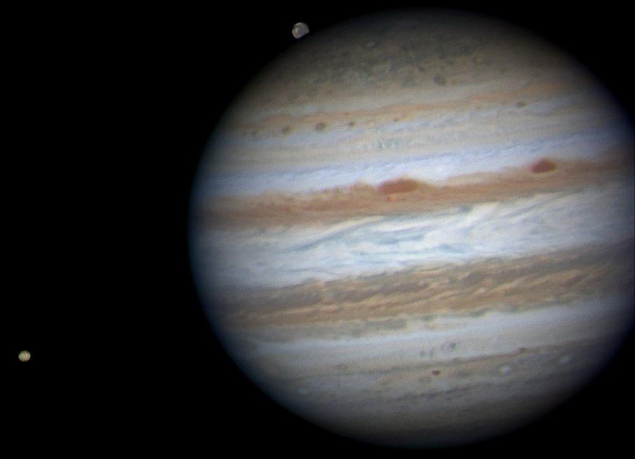 Júpiter, cerca de la oposición