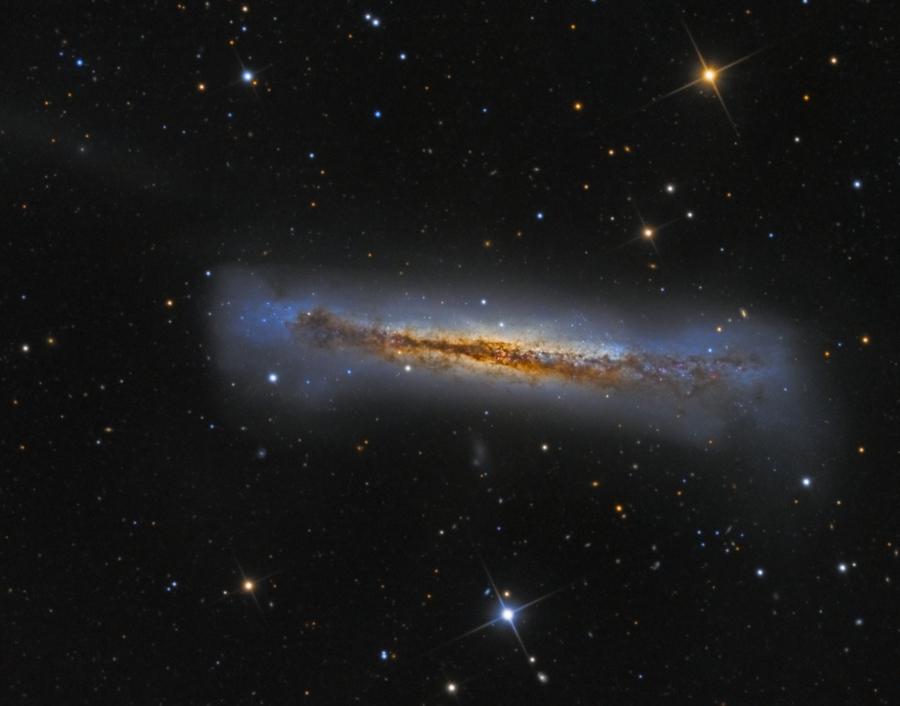 NGC 3628 de canto