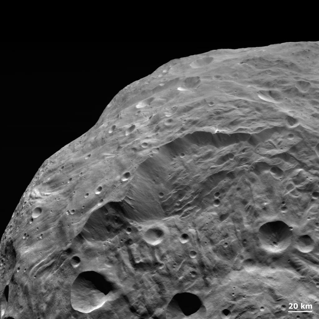 APOD: 2011 November 28 - A Landslide on Asteroid Vesta
