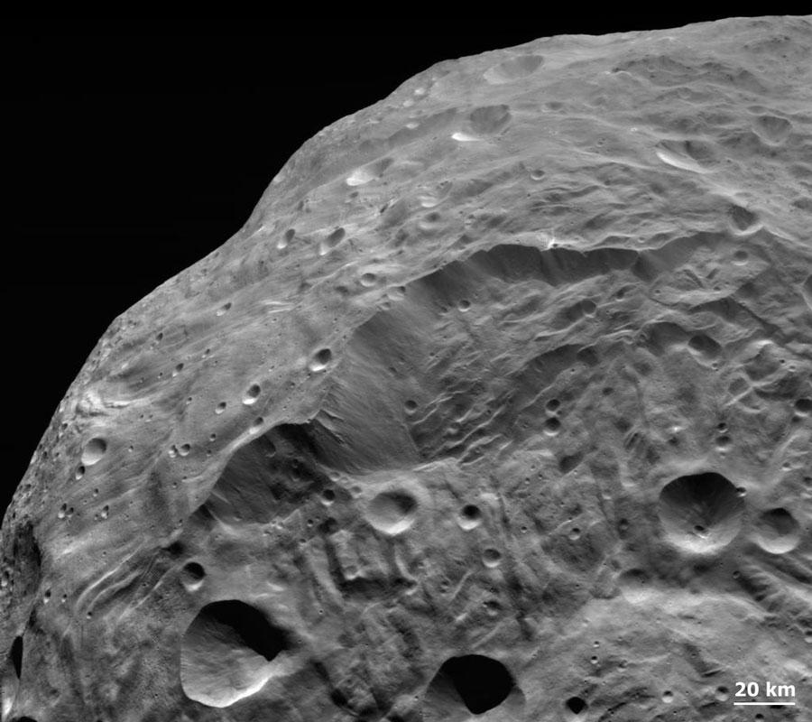 Un desprendimiento de tierra en el asteroide Vesta