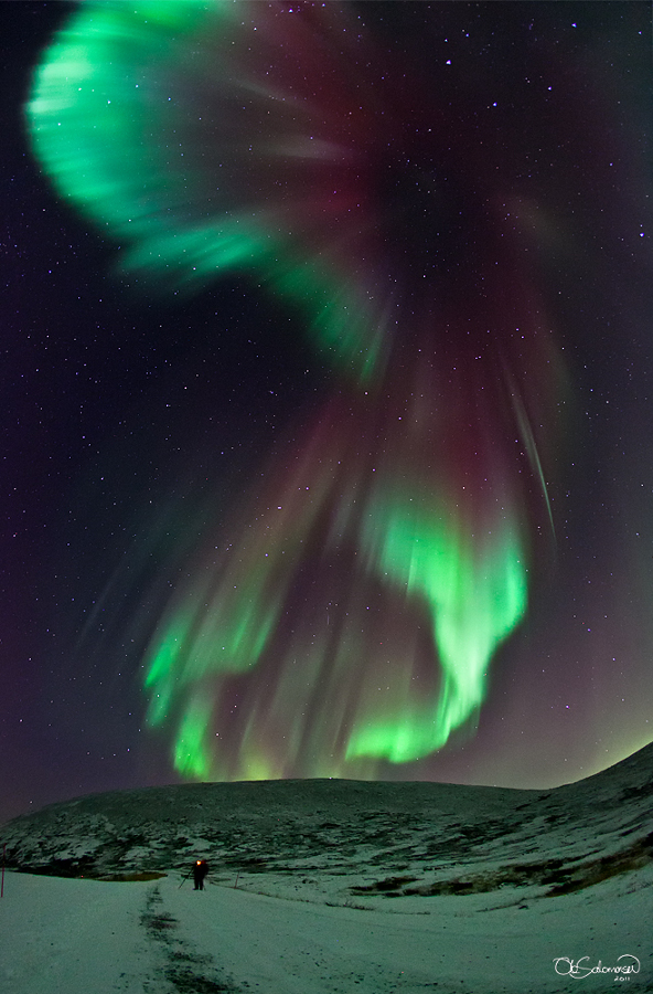 Una aurora memorable sobre Noruega