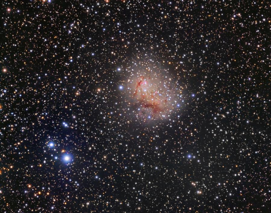 La galaxia de estallido de estrellas IC 10