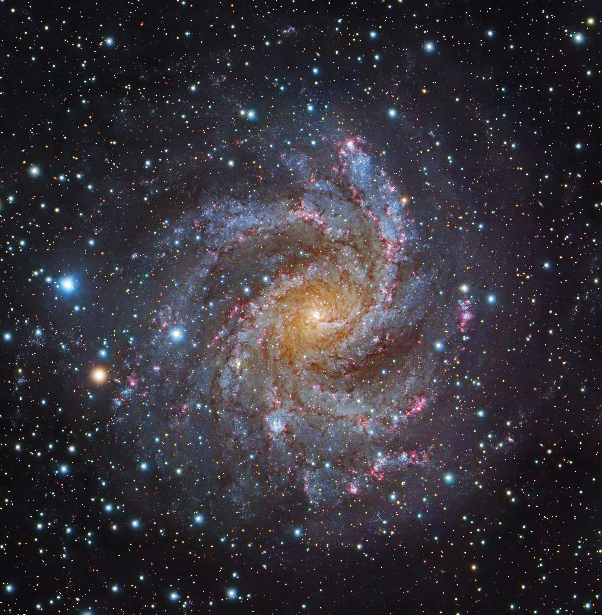 Apod 2012 january 9 facing ngc 6946 for Immagini galassie hd