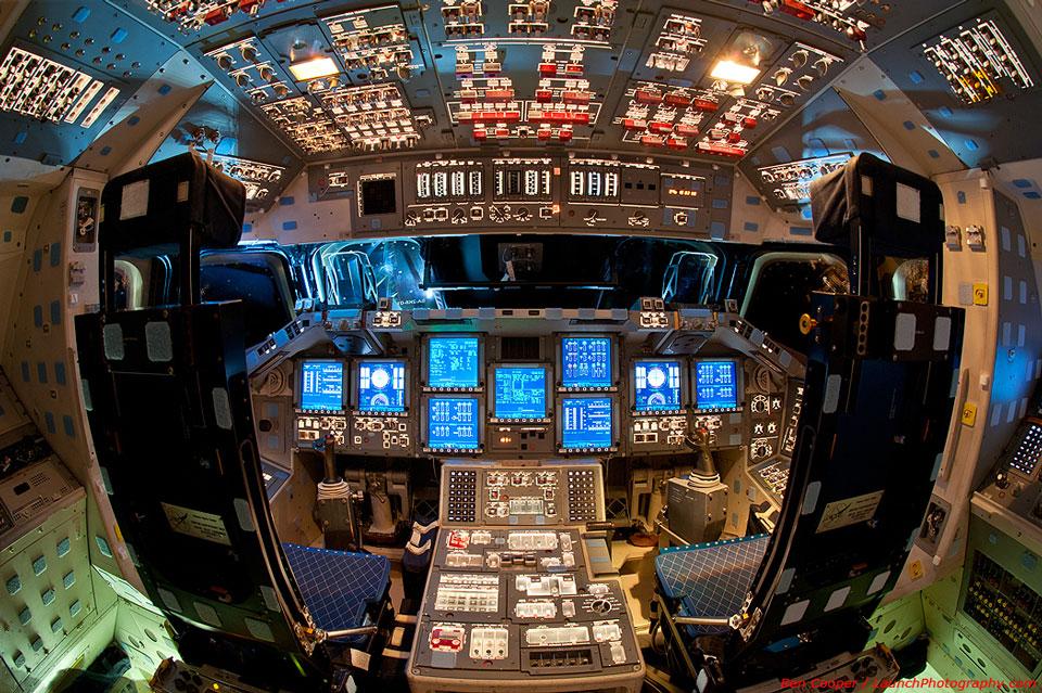 La cabina del transbordador espacial Endeavour