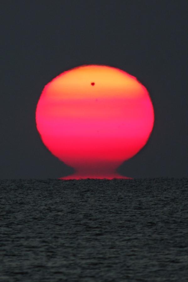 Cuando Venus sale con el Sol