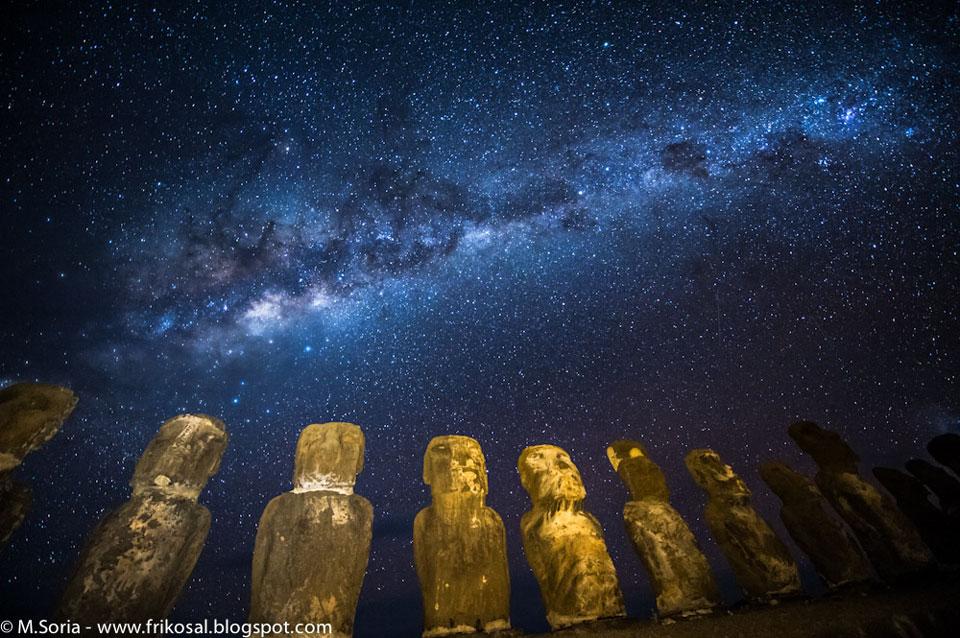 La Vía Láctea sobre la isla de Pascua