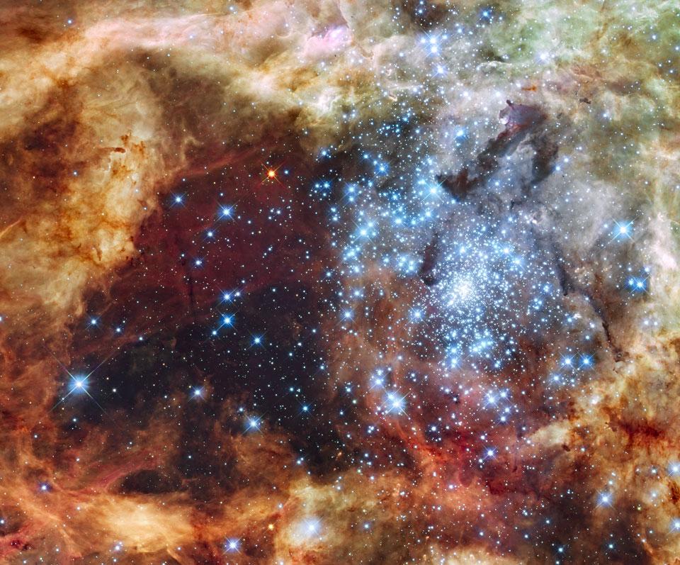 El cúmulo estelar R136 estalla