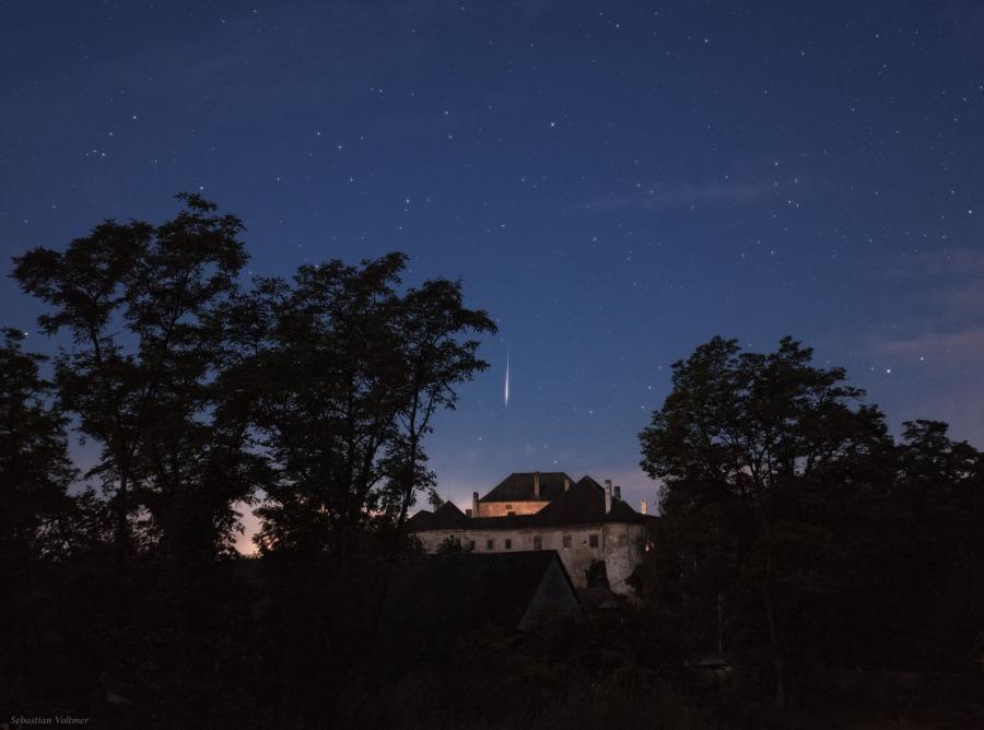 Perseidas sobre el castillo de Albrechtsberger