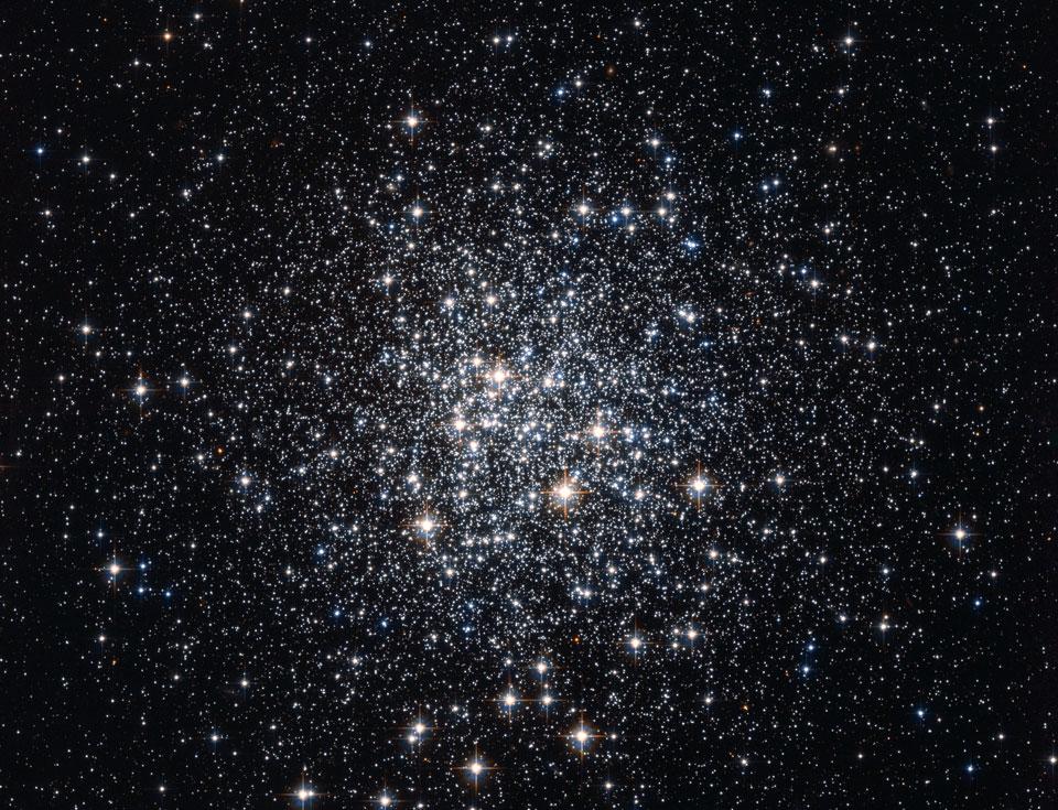 M 72: un cúmulo globular de estrellas