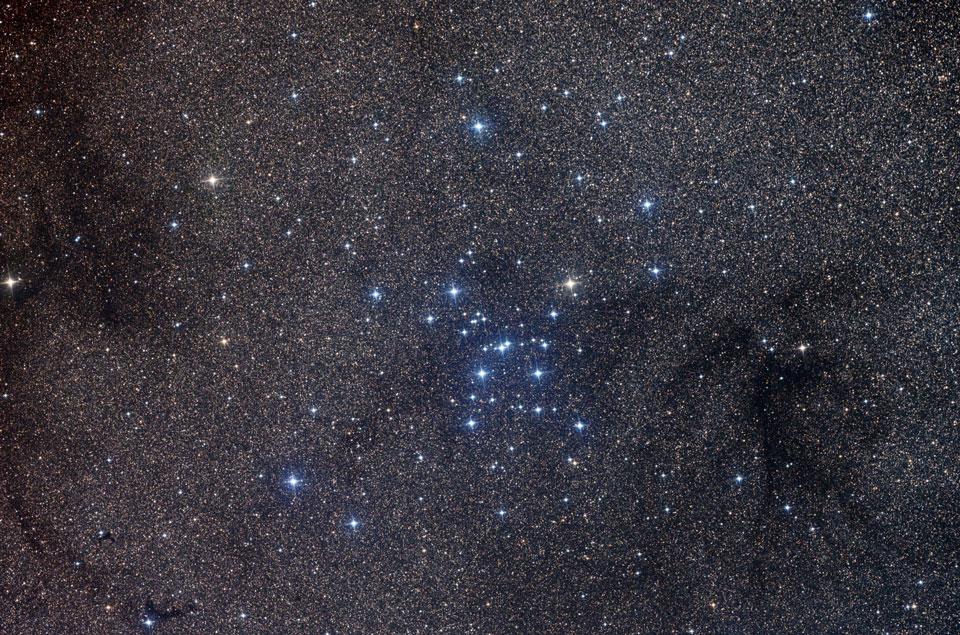 M7: cúmulo estelar abierto en Escorpión