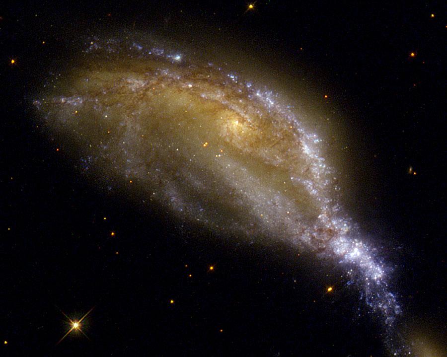Una colisión de galaxias en NGC 6745