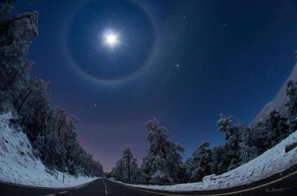 Un cuádruple halo lunar sobre España