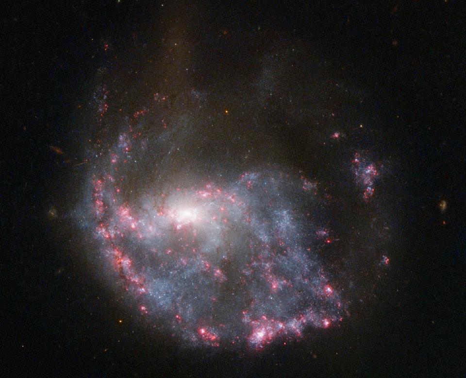 NGC 922: galaxia anular de colisión