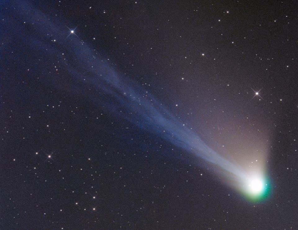 Las colas del cometa Lemmon