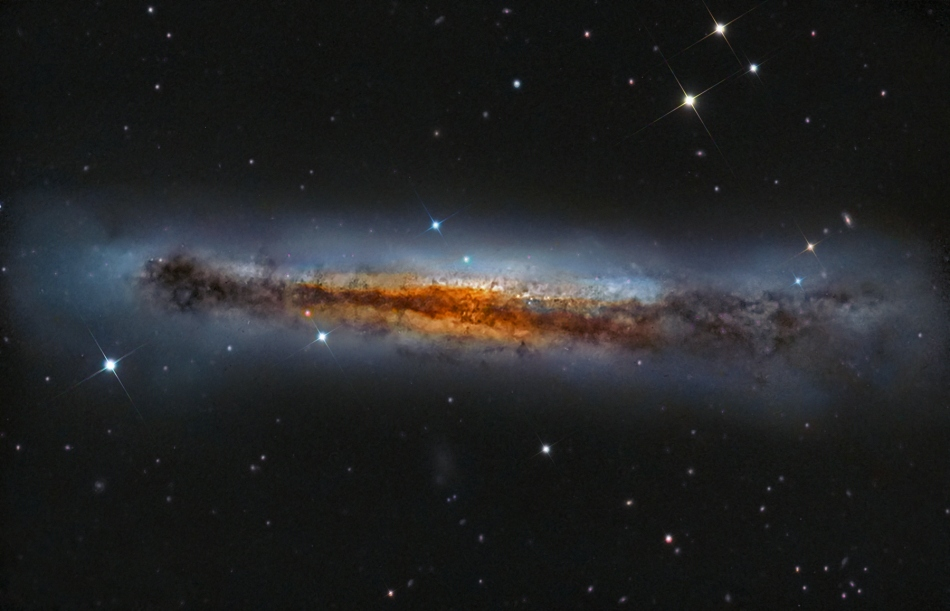 NGC 3628 z boku