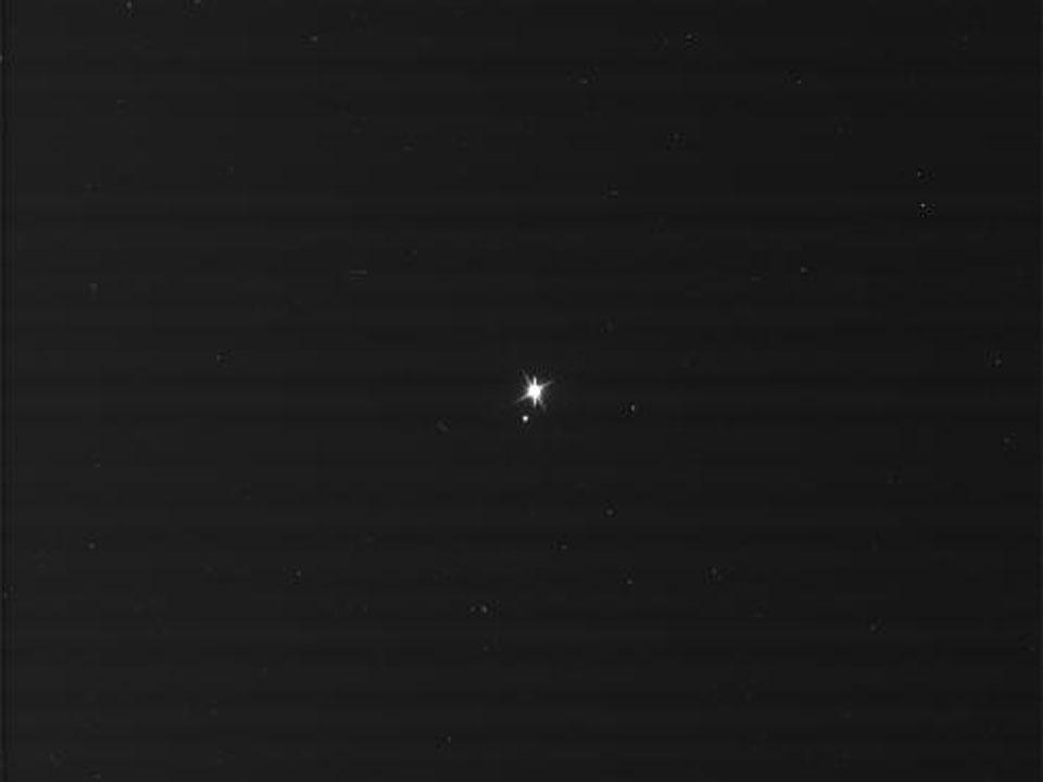 La Tierra y la Luna desde Saturno
