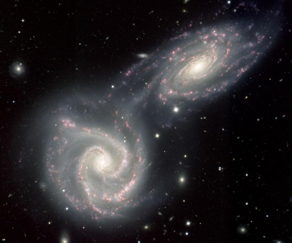 Spirální galaxie Arp 271 ve srážce