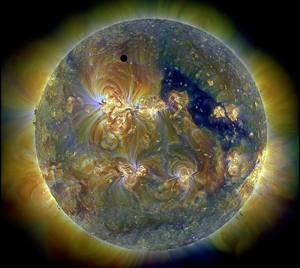 planet venus in front of the sun during solar eclipse