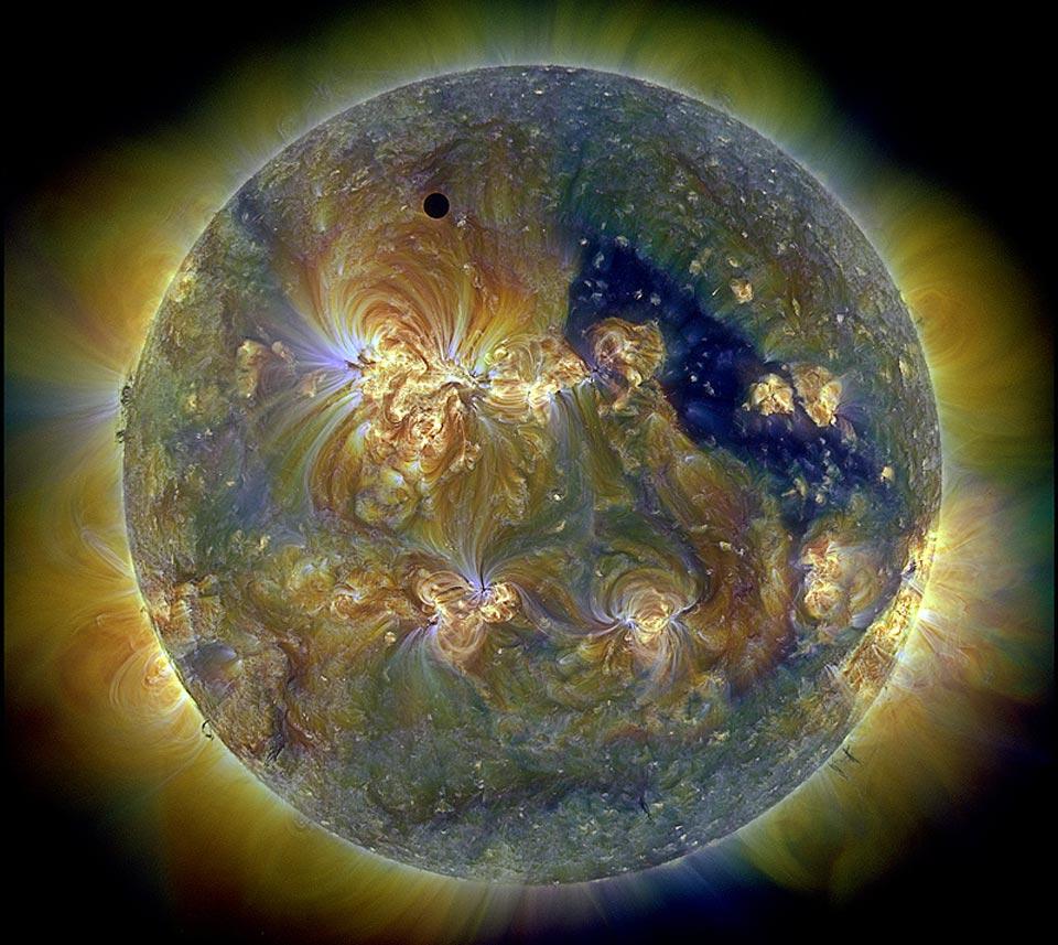 Venus y el Sol triplemente ultravioleta