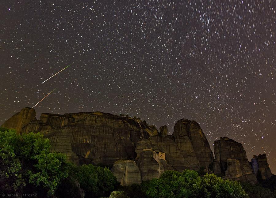 Perseidas sobre Meteora