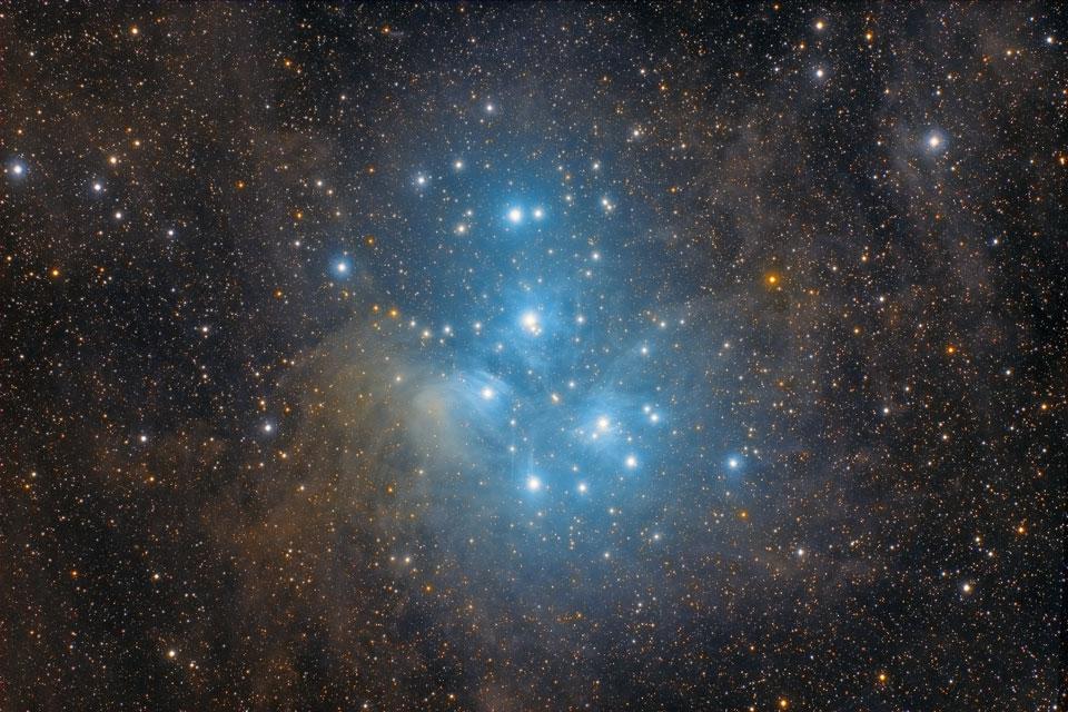 M 45: el cúmulo estelar de las Pléyades