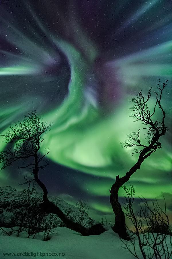 Aurora bestial sobre Noruega