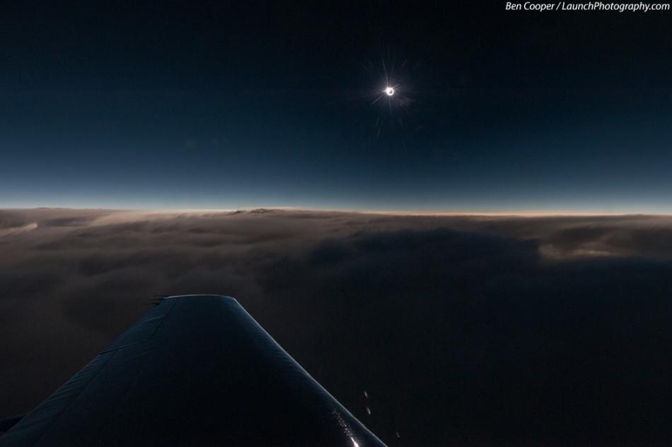 Eclipse pada 44.000 Kaki