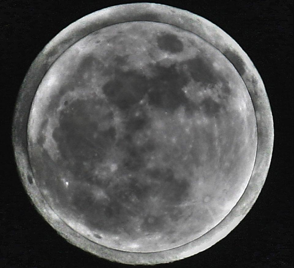 Micro Luna sobre Súper Luna