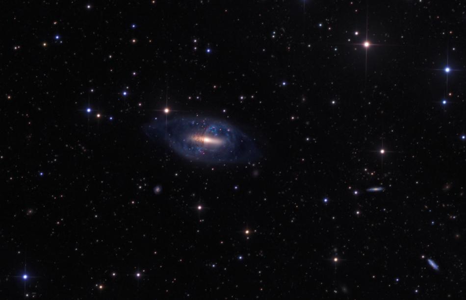 La galaxia anular polar NGC 2685