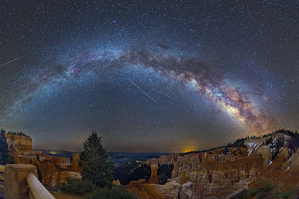 Meteoritos, aviones y una galaxia sobre Bryce Canyon