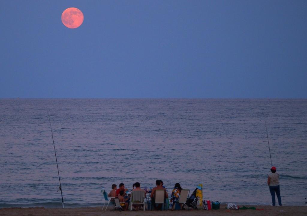 Salida del Sol en una playa de Alicante