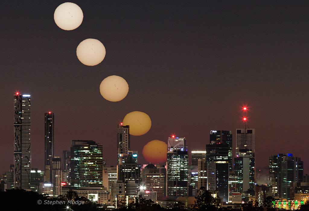 Salida del Sol sobre Brisbane