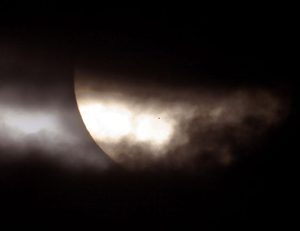 Tránsito de Mercurio: una extraña mancha sobre el Sol