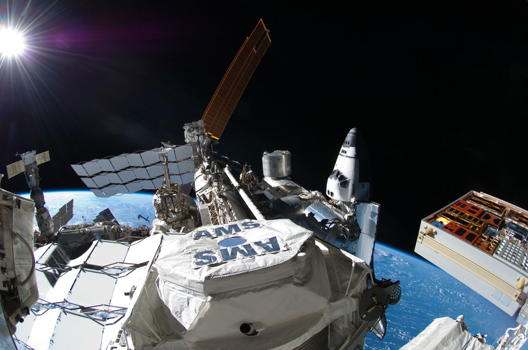 Stasiun Luar Angkasa Detector Menemukan Unexplained Positron Kelebihan