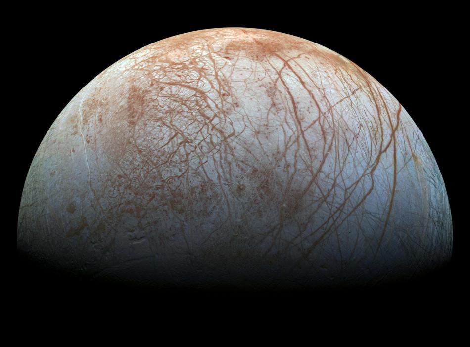 El satélite Galileo de Europa remasterizado