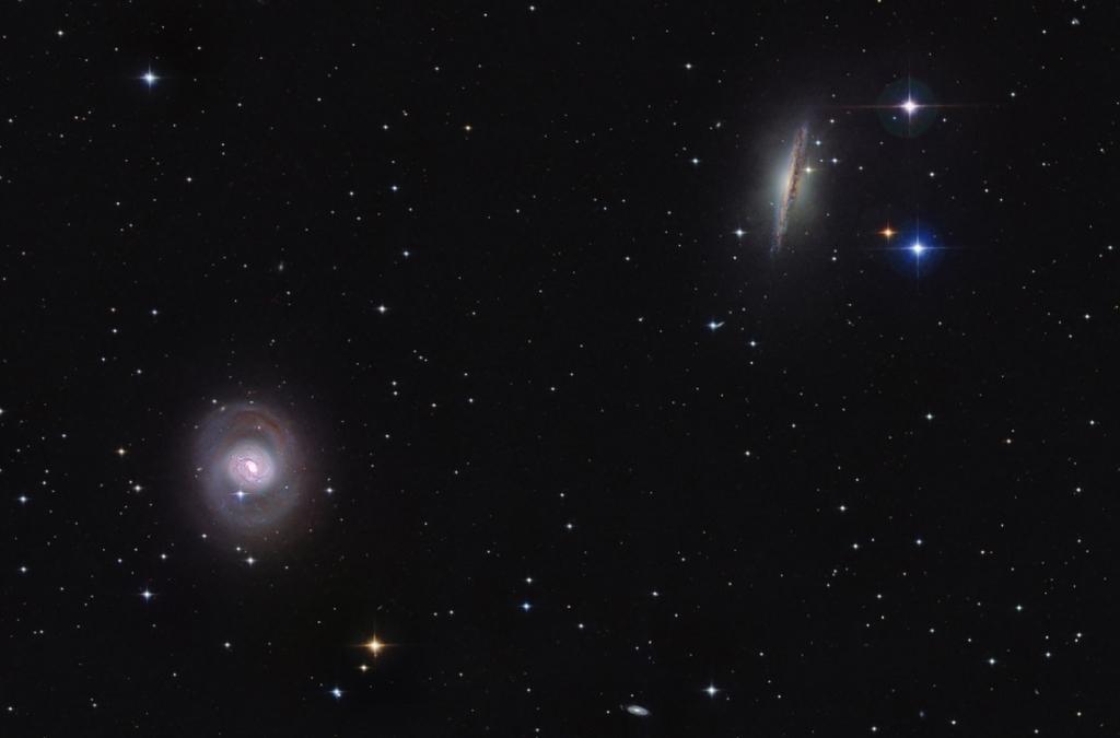 El dúo de Cetus M77 y NGC 1055