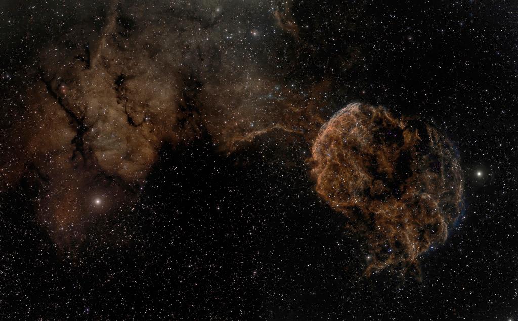 Sharpless 249 y la nebulosa de la Medusa