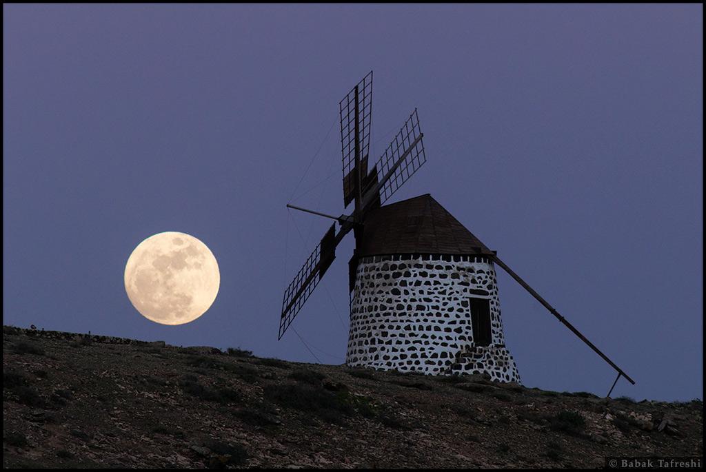 Luna del molino de viento