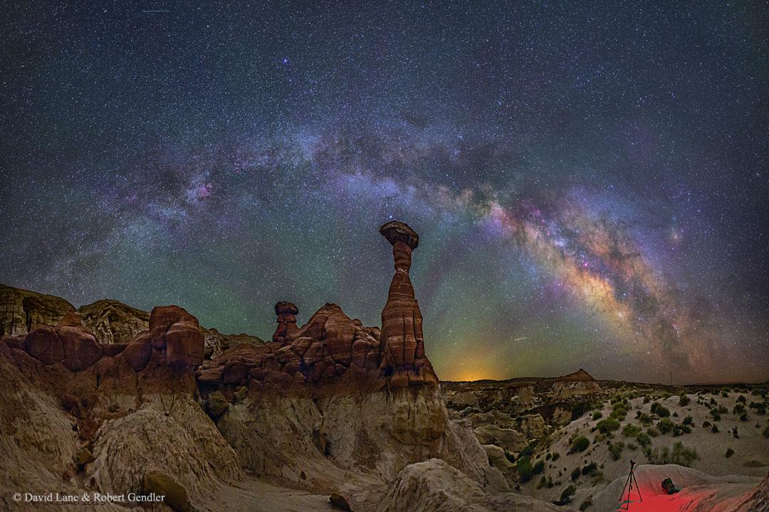 Mléčná dráha nad arizonskými muchomůrkami