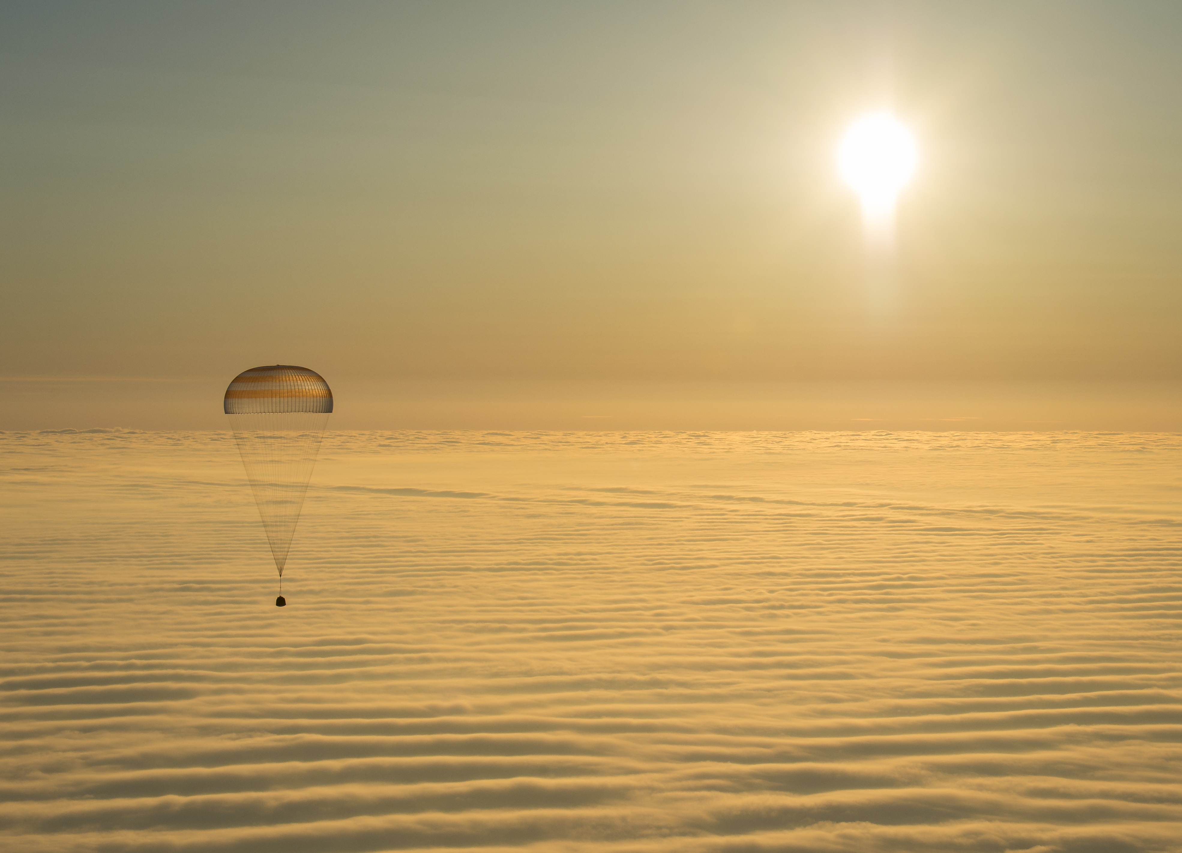 spacecraft parachute photo