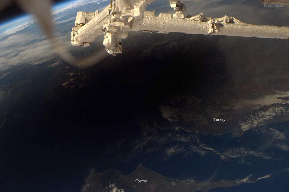 La Tierra durante un eclipse total de Sol