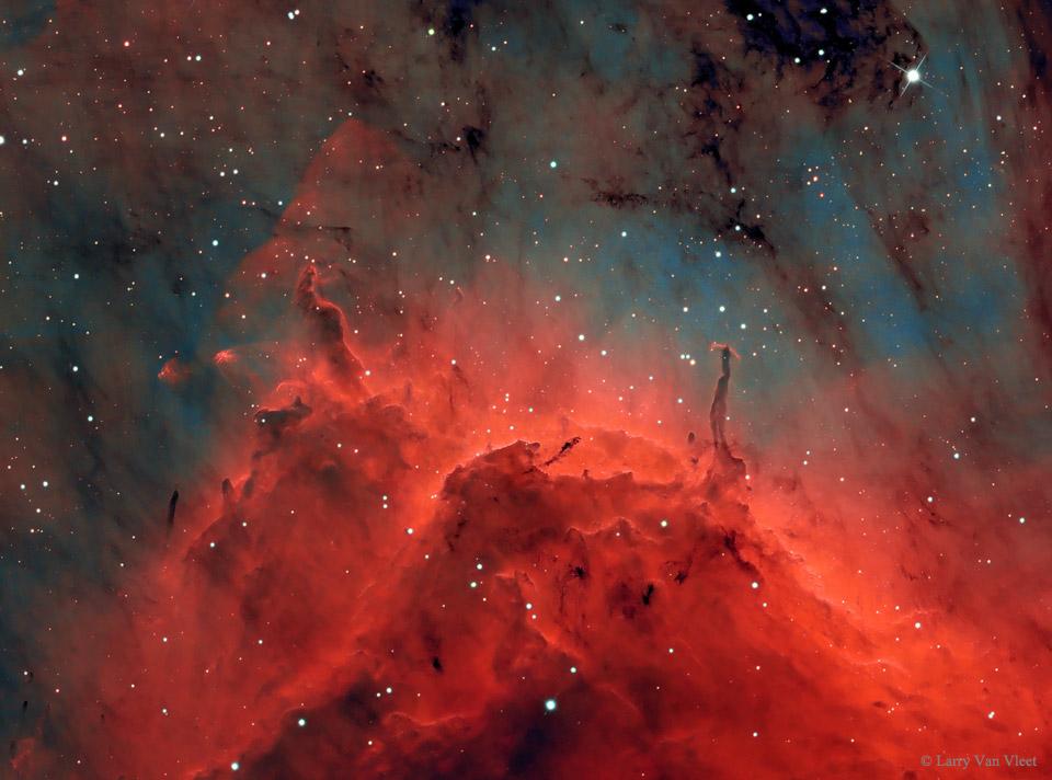 Pilares y chorros en la nebulosa del Pelícano