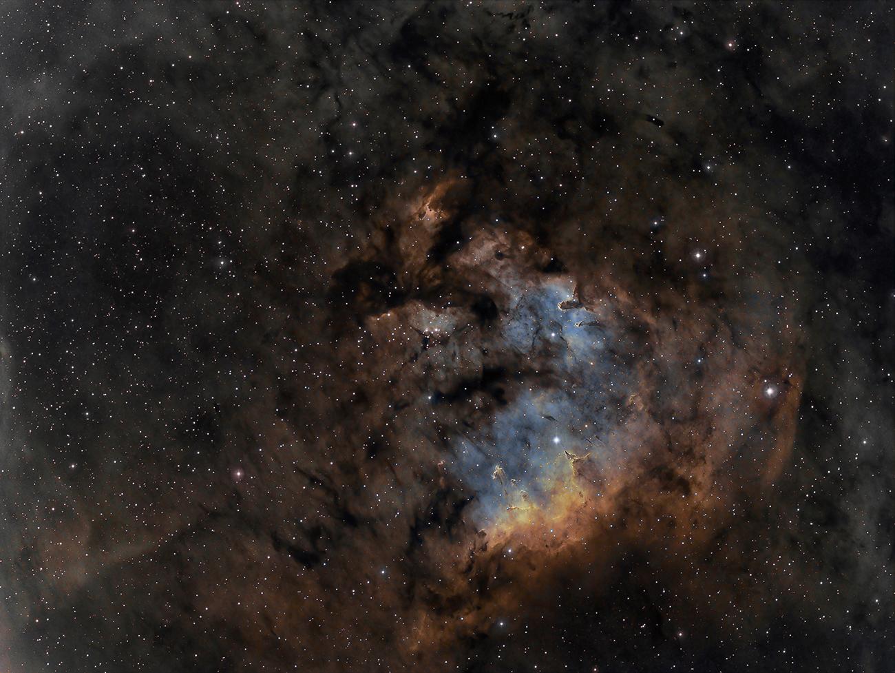 005 - APOD - MAJ 2015. NGC7822gonzalez