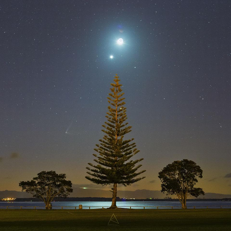 El cometa PanSTARRS, la Luna y Venus