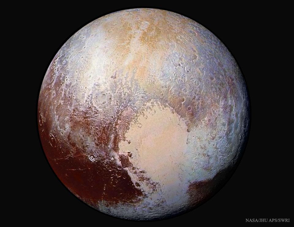 Plutón con los colores realzados