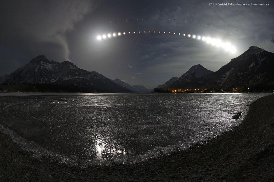 009 - APOD - SEPTEMBAR 2015. LunarEclipseWaterton_Takasaka_960