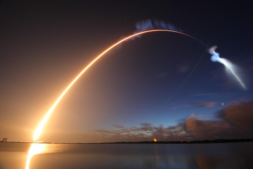 009 - APOD - SEPTEMBAR 2015. LaunchMUOS4_deep