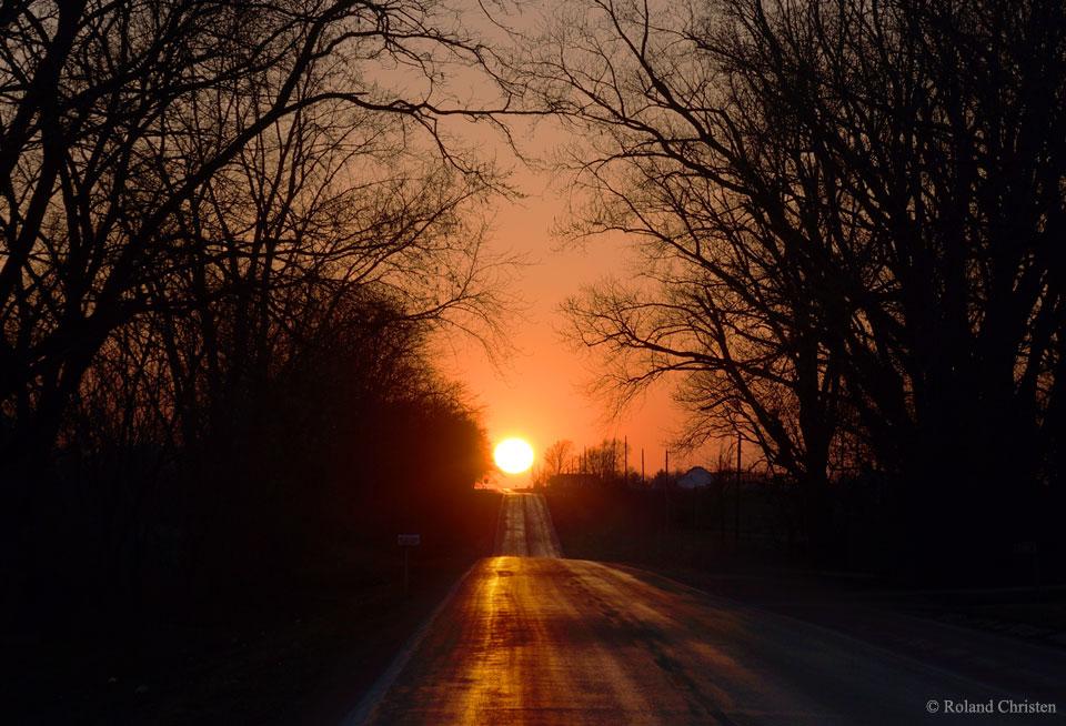 Una pintoresca puesta de Sol de equinoccio