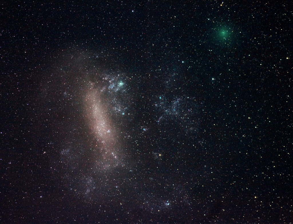 Tutup Comet dan Large Magellanic Cloud